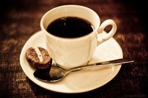 Viêm đại tràng không nên uống cà phê