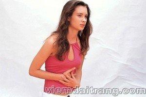 Đau bụng là triệu chứng của viêm đại tràng co thắt